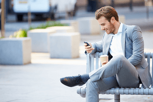 How Guys Text When They Like You – 7 Things They Do Differently
